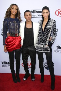 Olivier Rousteing, Jourdan Dunn and Kendall Jenner showed us the first pieces of the collection at the Billboard Music Awards.